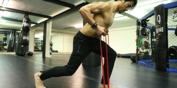 Le plus efficace en musculation, les bandes élastiques ou les haltères ?