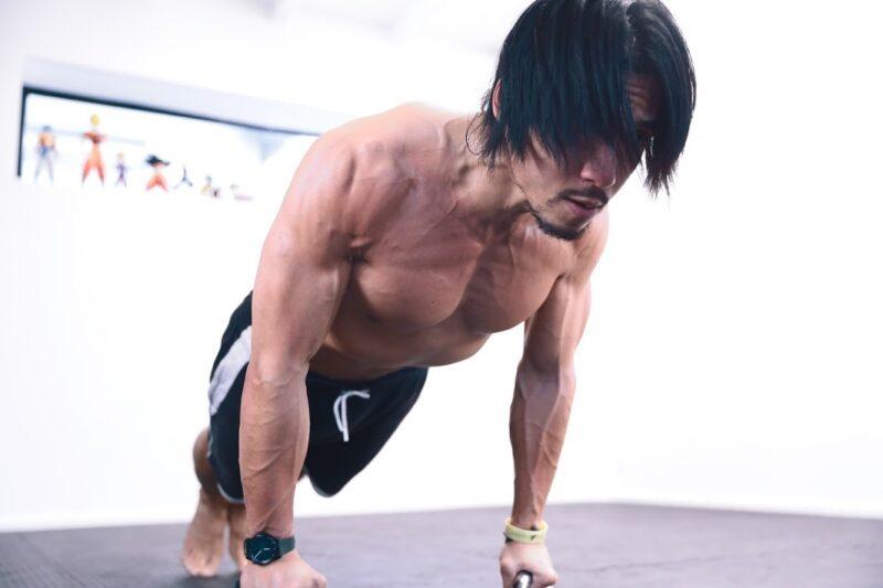 Muscler tes pectoraux avec un SEUL EXERCICE